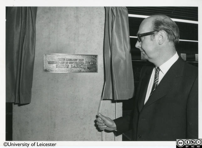 Philip Larkin unveils plaque opening University Library